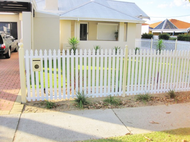 Picket Fencing Fence Spot Excellence In Fencing