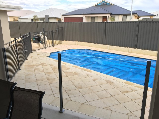 Combination Tubular and Glass Pool Fencing