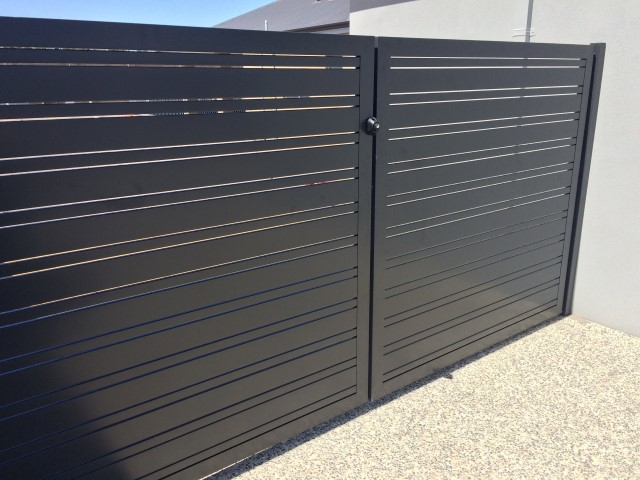 Slat Gallery Fence Spot Excellence In Fencing