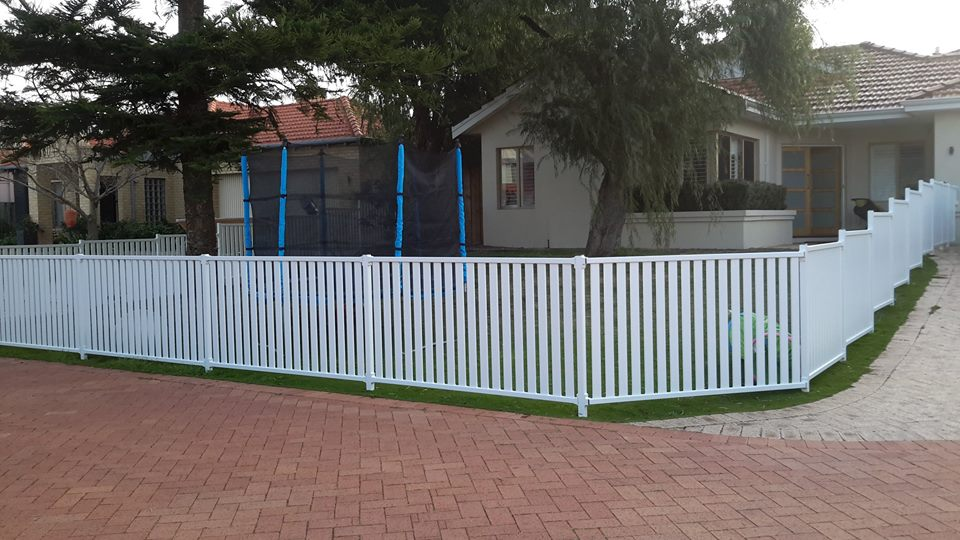 pearl white Aluminium Picket Fencing 1