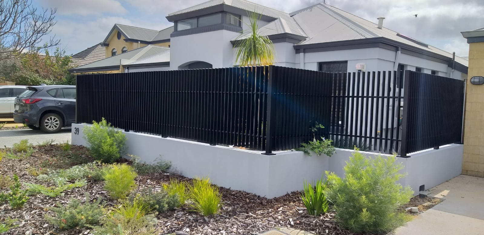 Aluminium Whitby blade fence - black - back1