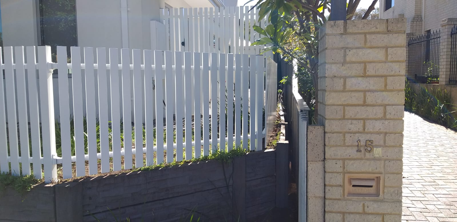 Picket Fence and Gate - white - side