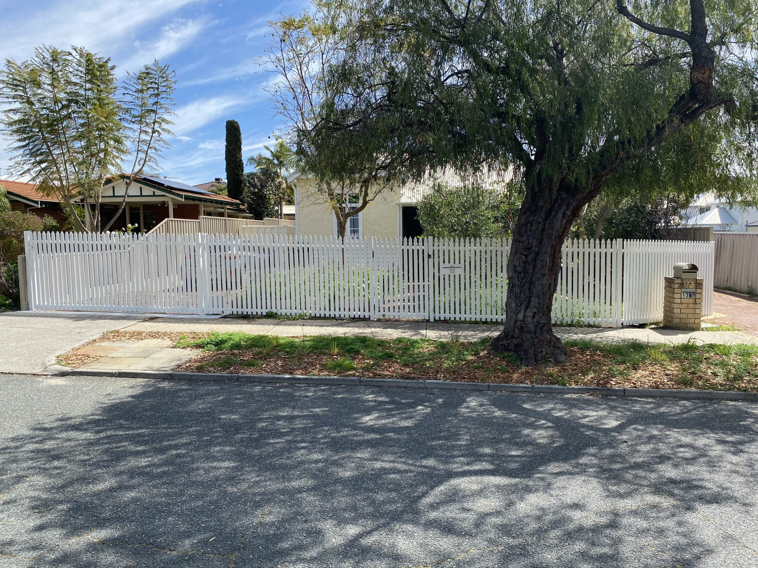 after - Aluminium Picket Fence and gate - front
