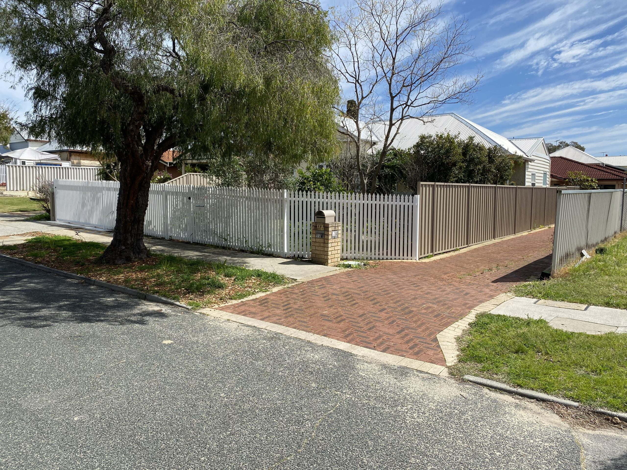 after - Aluminium Picket Fence and gate - colour bond